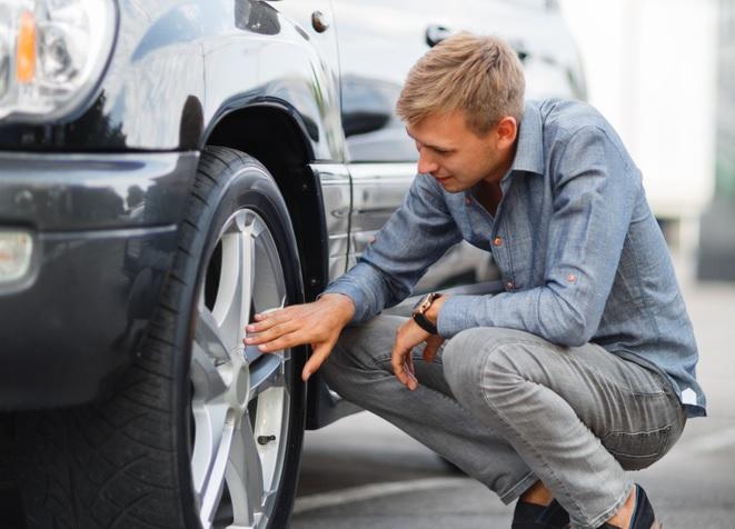 Hoe onderhandelen over prijs auto